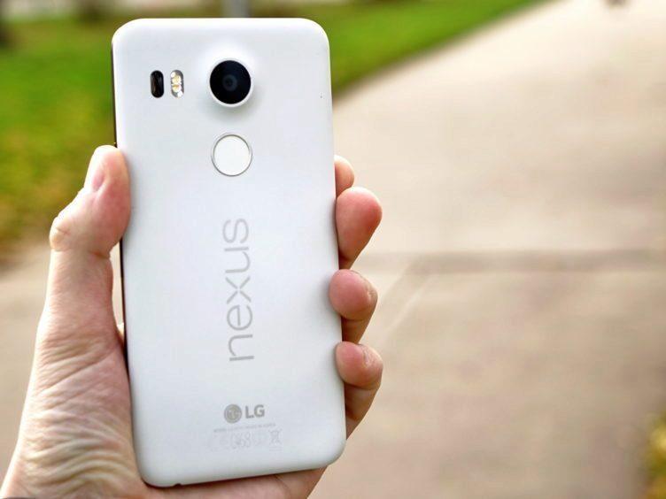Nexus 5X - konstrukce, držení v ruce