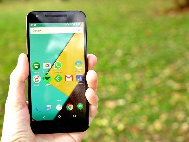 Nexus 5X - konstrukce, přední strana
