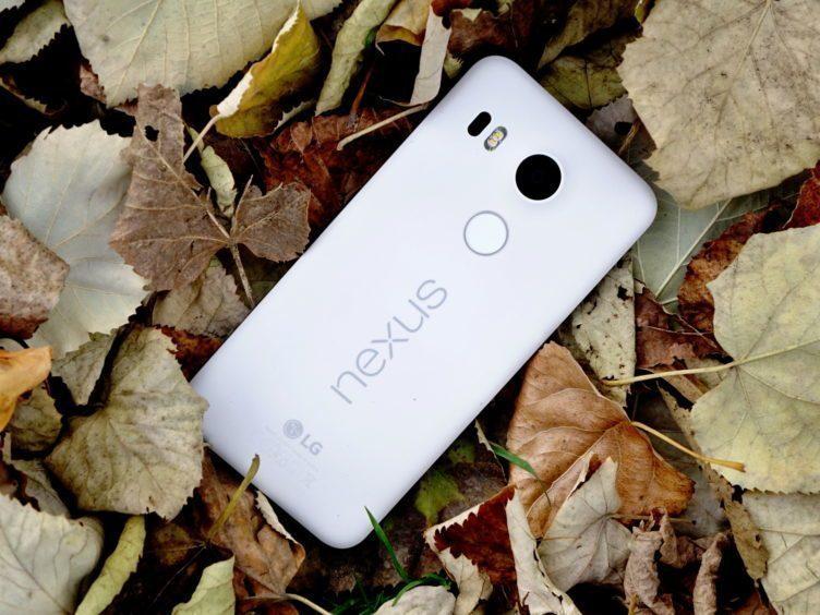 Nexus 5X - konstrukce, zadní strana