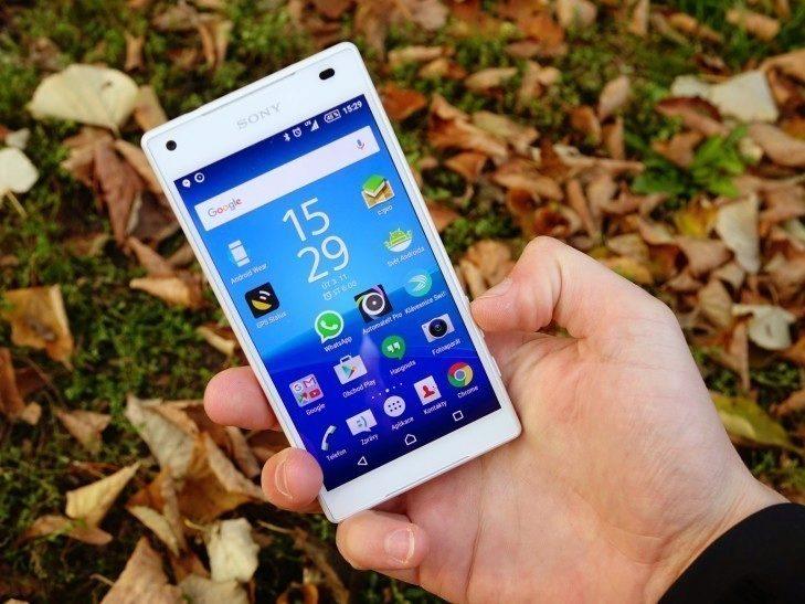Sony Xperia Z5 Compact - konstrukce, ovládání hlasitosti