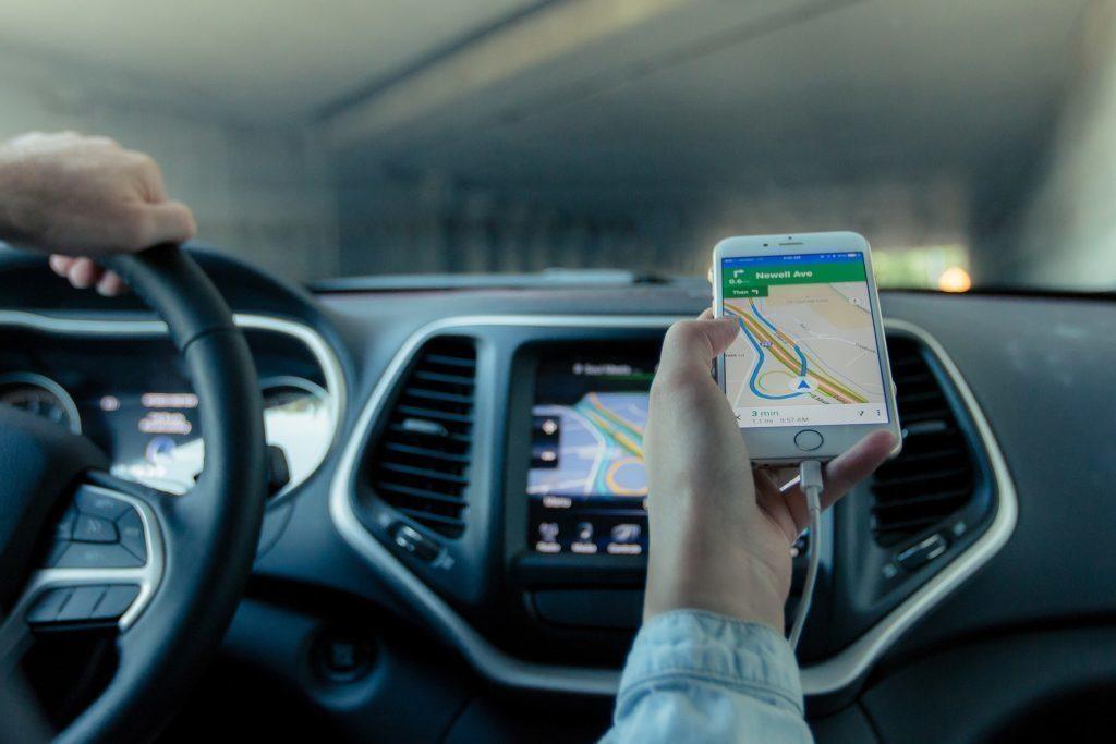 V Obchodě Play najdete nespočet navigačních aplikací