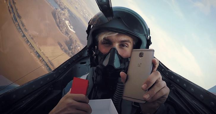 Česká stíhačka MiG 15 hraje hlavní roli v nové reklamě na OnePlus 3T