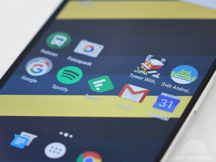 Nexus 6P - AMOLED displej, detail