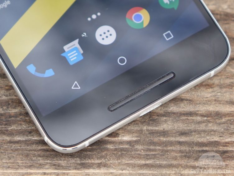 Nexus 6P - spodní reproduktor