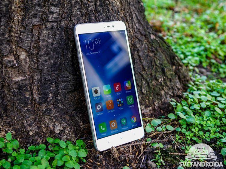 Xiaomi Redmi Note 3 - konstrukce, přední část telefonu (2)