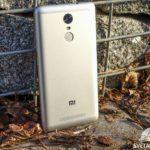 Xiaomi Redmi Note 3 – konstrukce, zadní část telefonu (2)