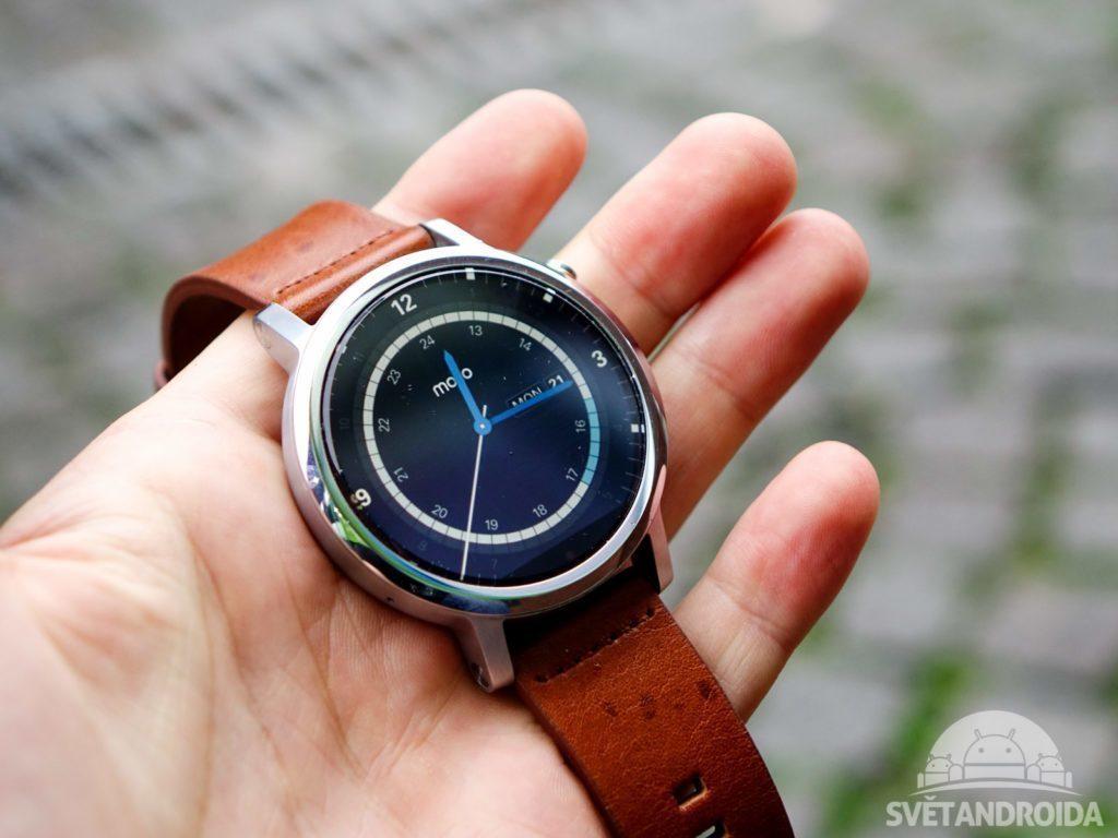 Chytré hodinky Moto 360 byly vyřazeny z nabídky Google Store