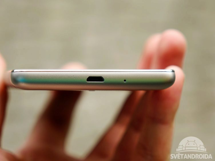 Xiaomi Redmi 3 - konstrukce, Micro USB