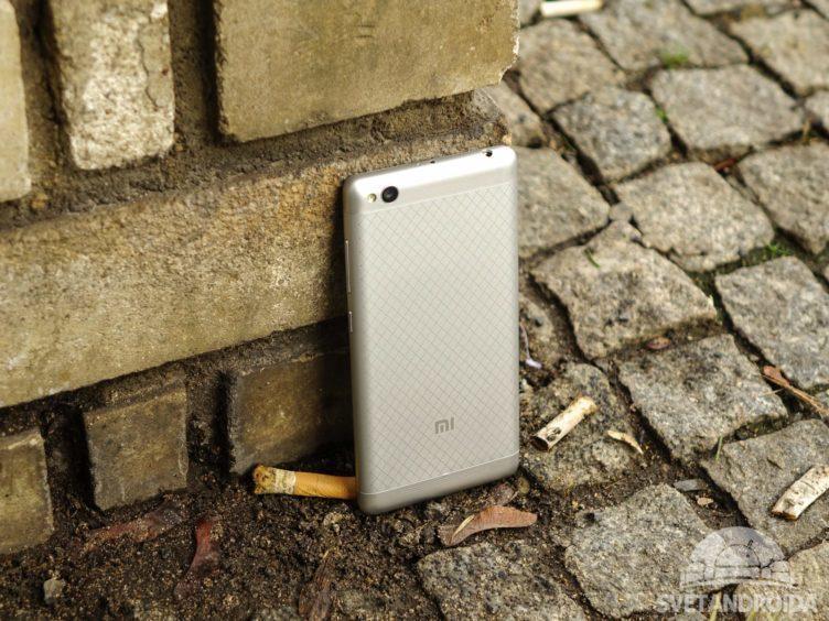 Xiaomi Redmi 3 - konstrukce, záda telefonu (2)