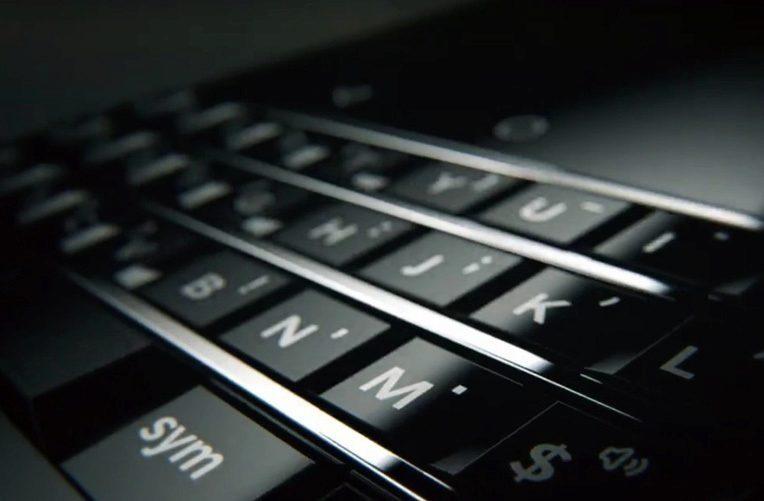 blackberry-ces-2017-s-hardwarovou-klavesnici-ico