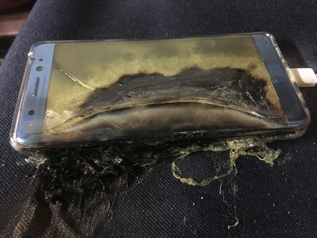 Díky pevnému elektrolytu Zimmermanova baterie nevybouchne