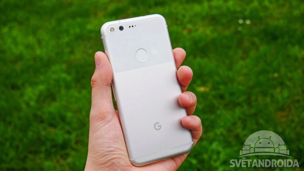 Některým telefonům Pixel nefunguje mikrofon. Google je v záruce vymění