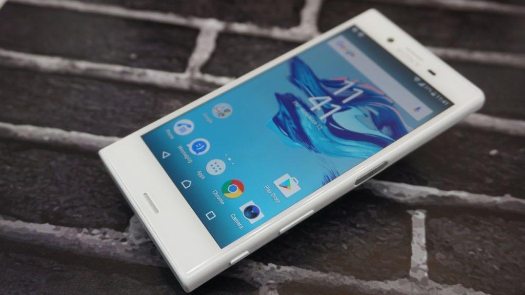 Sony Xperia X Compact predni strana