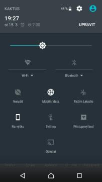 Sony Xperia X Compact prostredi (4)