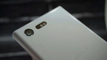Sony Xperia X Compact zadni strana