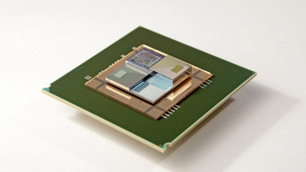 Baterie s tekutým elektrolytem dodá energii i ochladí procesor