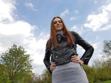 Recenze Samsung S8 fotoaparat žena