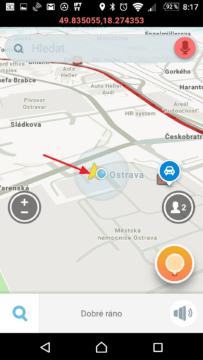 Žlutá šipka ukazuje pozici dle GPS
