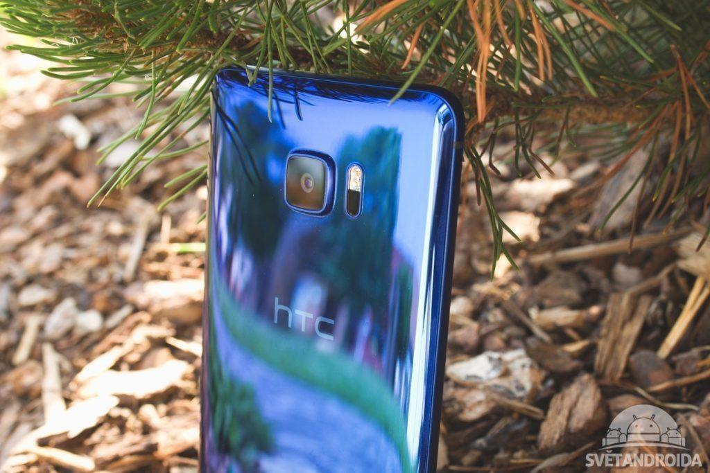 HTC U Ultra záda