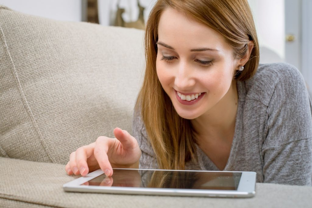 Jak na Androidu stahovat a přehrávat na pozadí videa z YouTube?