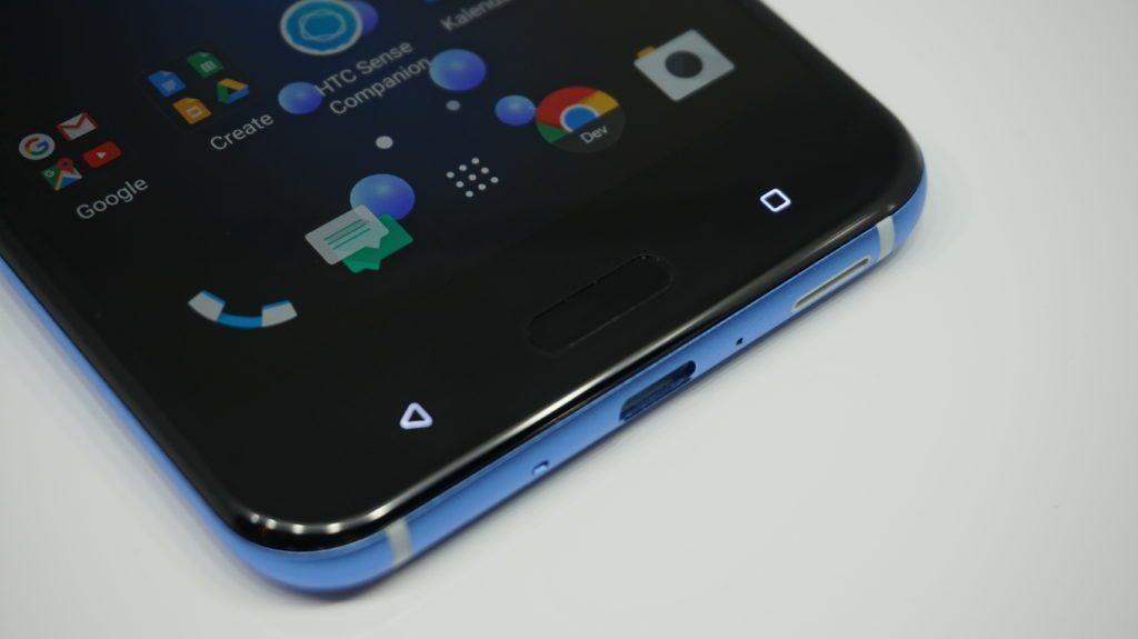 HTC U11 ctecka otisku prstu
