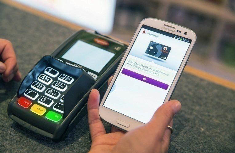 Mobil-místo-platební-karty-ano,-či-ne