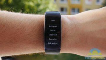 Samsung Gear Fit 2 – displej, notifikace -3