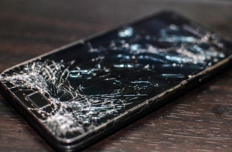 Rozbitý-displej-telefonu-není-levnou-záležitostí-ikona