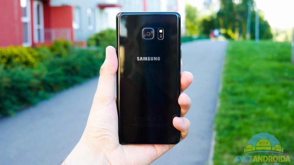 Samsung Galaxy Note 7 - konstrukce, zadní strana