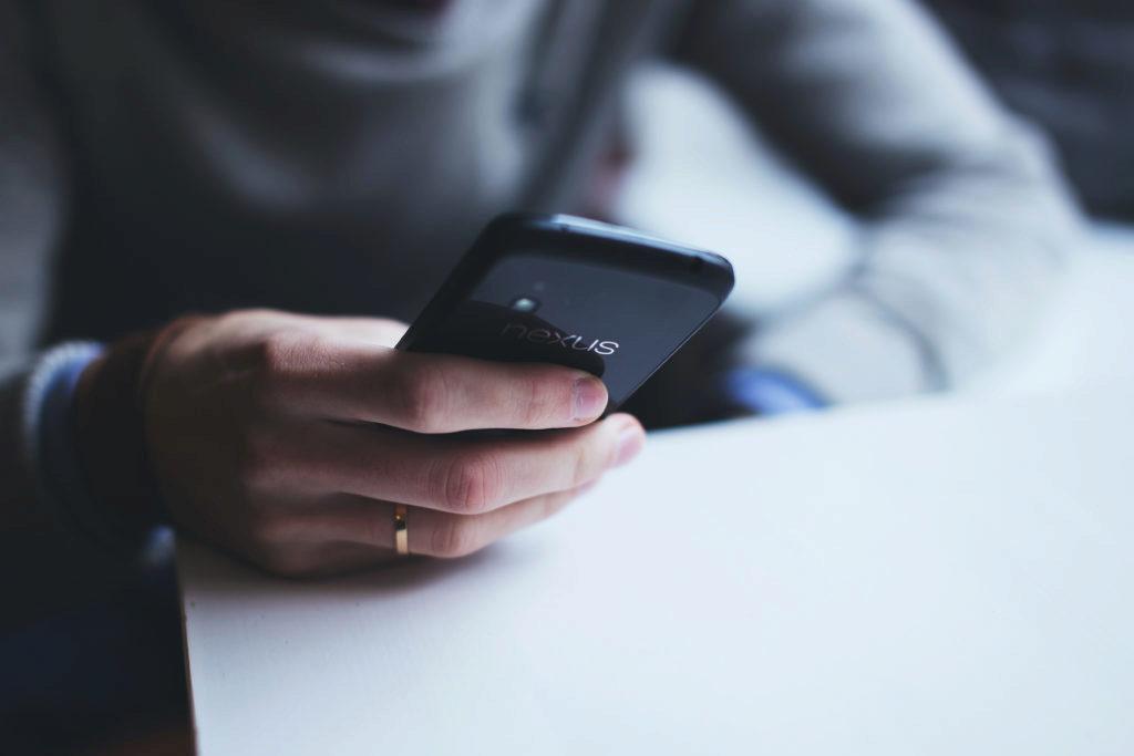 Opakované restarty telefonu můžete zkusit vyřešit sami