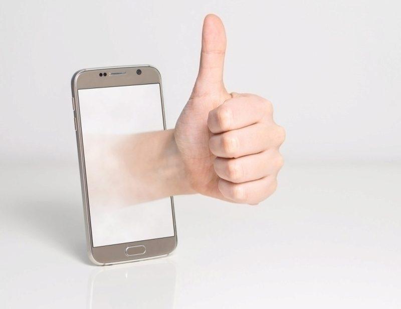 utopeny-telefon-mobil-utopit