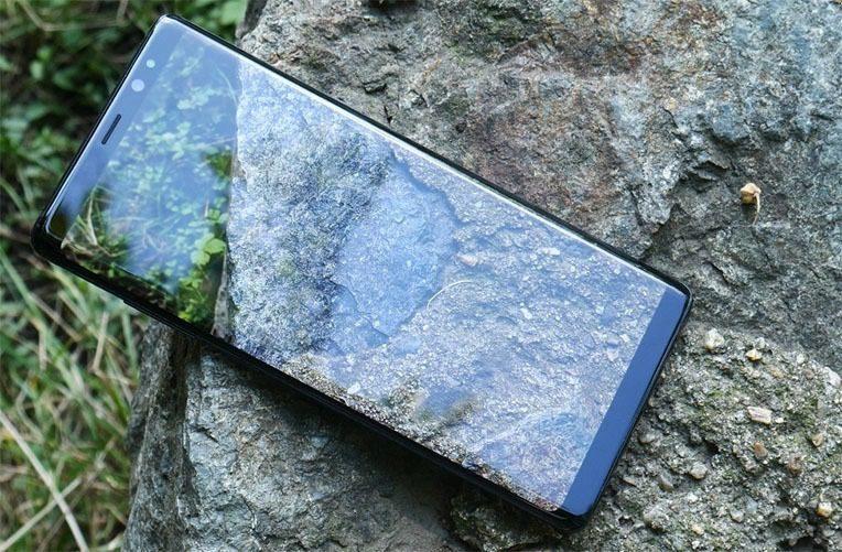 Galaxy Note 8 první pohled