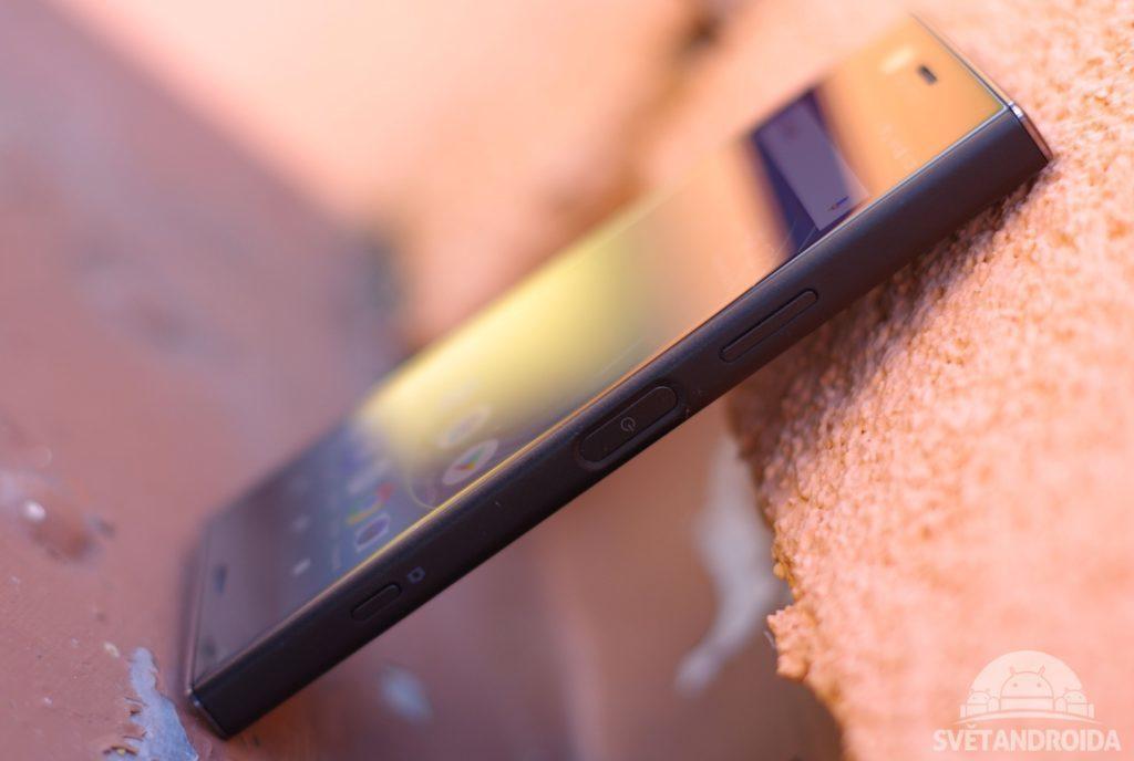 Sony Xperia XZ1 Compact čtečka