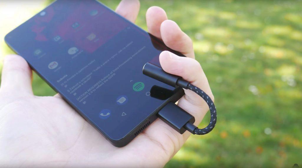 Telefon Essential Phone PH-1-jack konektor-redukce