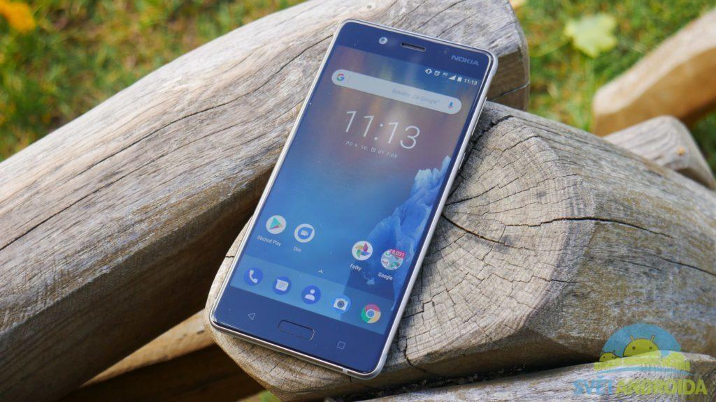 Telefon Nokia 8-konstrukce-displej