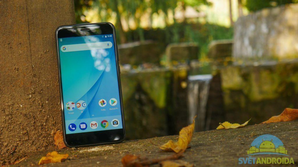 Telefon-Xiaomi-Mi-A1-displej