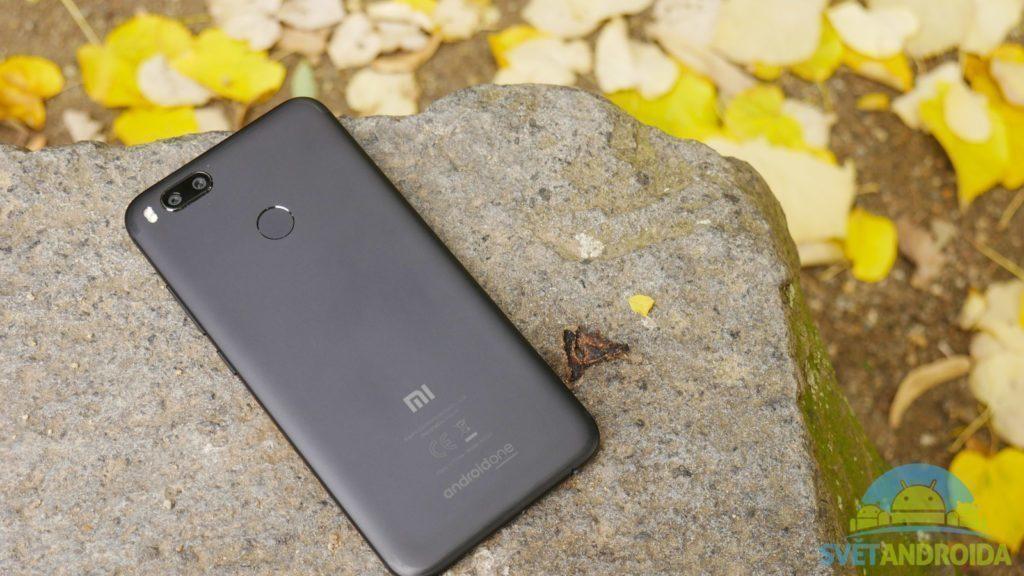 Telefon-Xiaomi-Mi-A1-konstrukce-zadni strana
