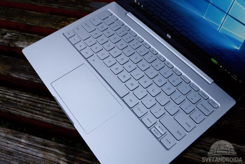 xiaomi-mi-notebook-air-125-klavesnice