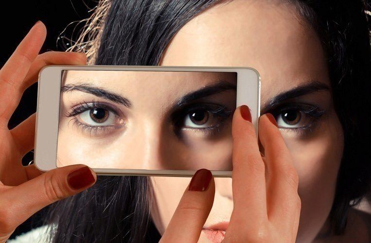 Je-lepší-OLED,-nebo-LCD