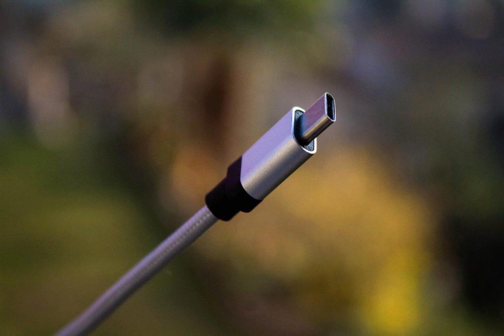 Konektor USB-C čekalo vlažné přijetí