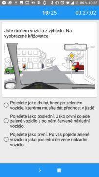 Součástí testu z autoškoly jsou též křižovatky