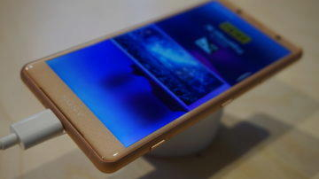 Sony Xperia XZ2 Compact displej