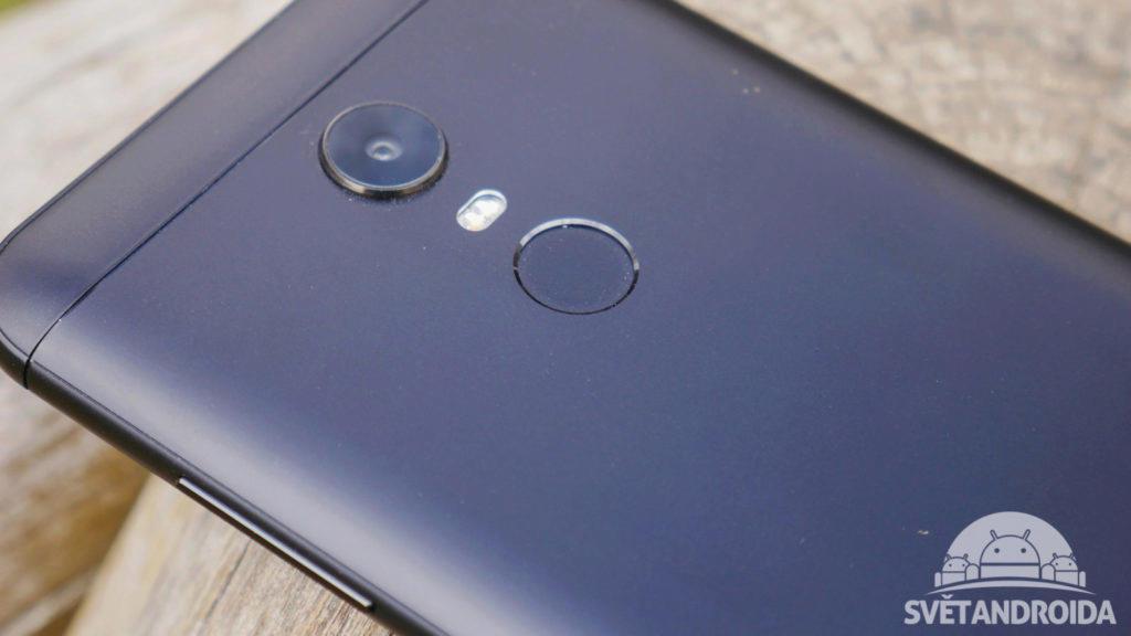Xiaomi Redmi 5 Plus-recenze-konstrukce-ctecka