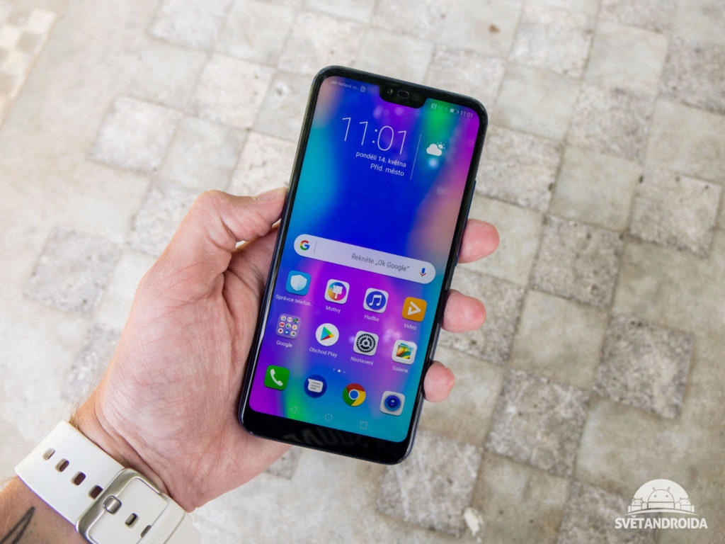 Displej telefonu Honor 10 má výřez