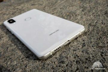 Mobilu Mi Mix 2S chybí 3,5mm jack, vystačit si musíte s USB-C