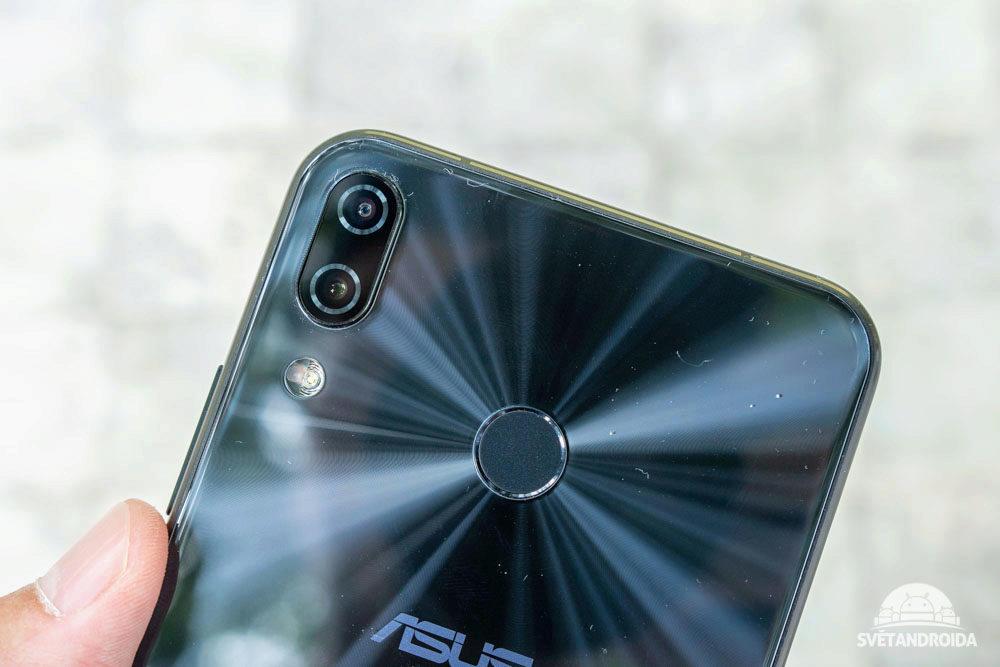 Asus Zenfone 5 ctecka otisku prstu