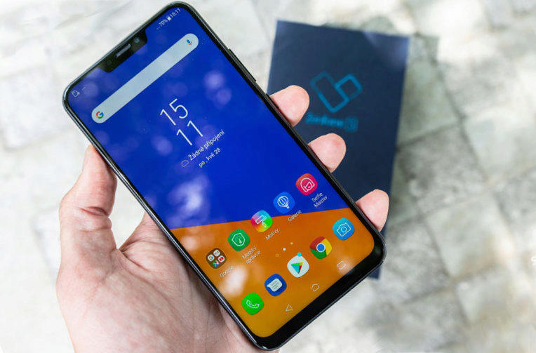Asus Zenfone 5 recenze