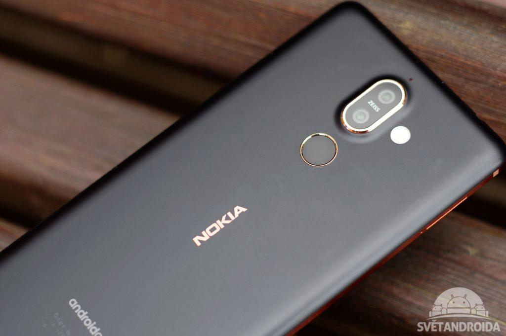 Nokia 7 Plus zadní strana