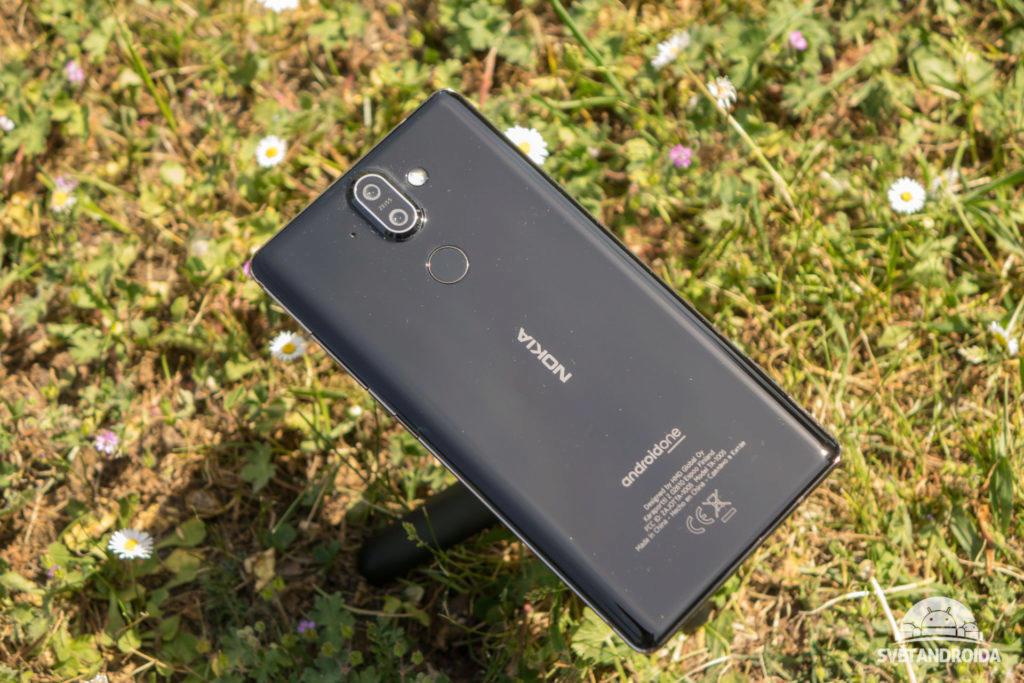 nokia 8 sirocco je kvalitně zpracovaný telefon
