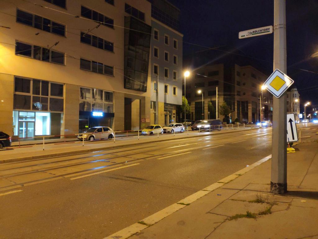 Noc ulice xiaomi mi 8 foto